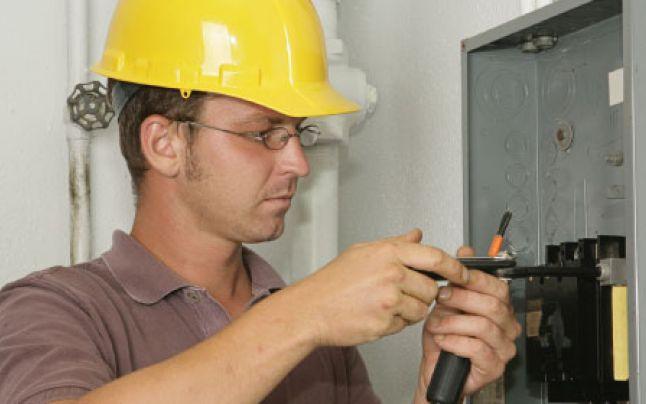 Evita hazardele electrice