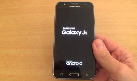 Cum sa va reparati Samsung Galaxy J5 care este blocat pe sigla Samsung in timpul pornirii